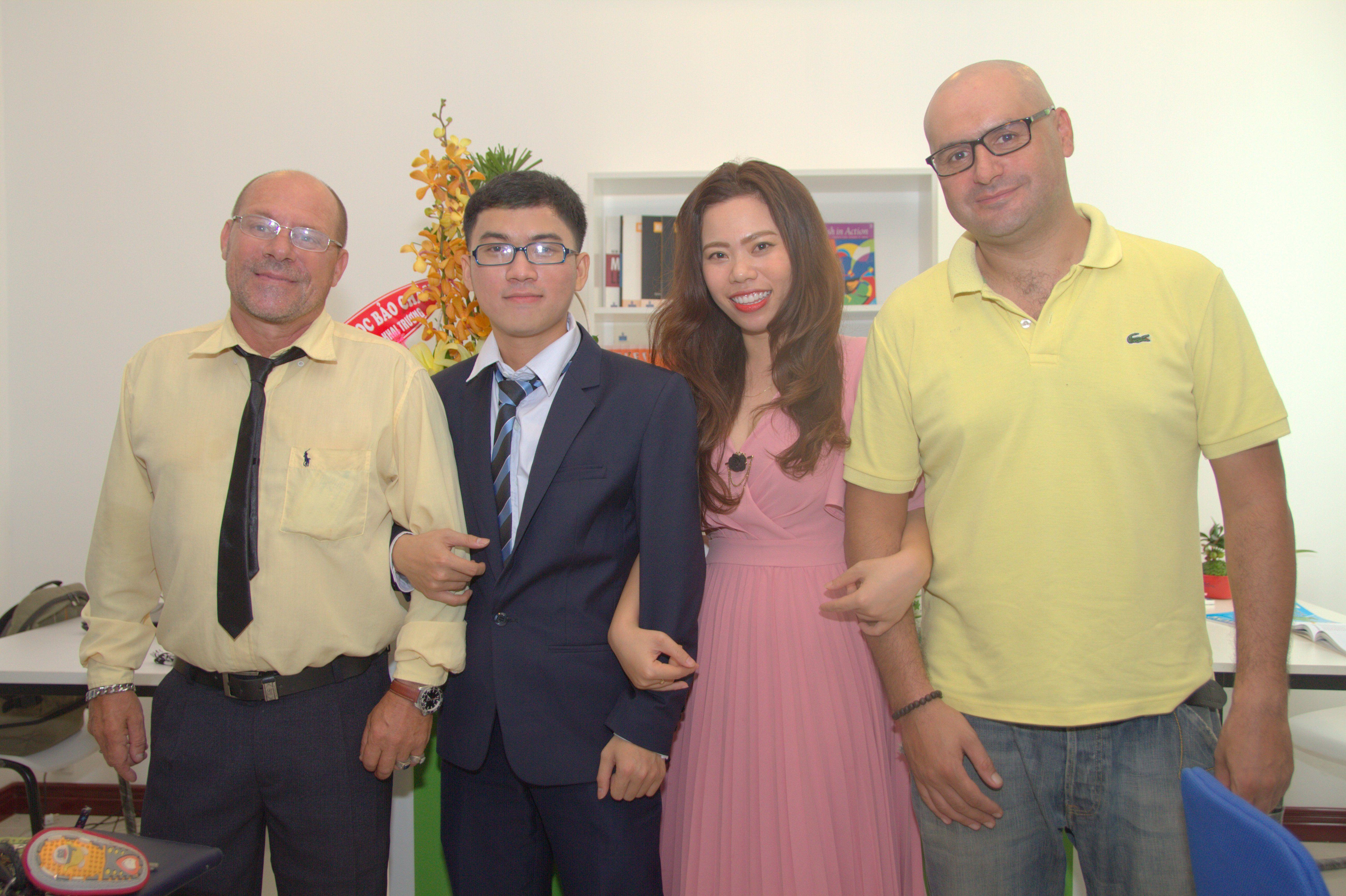 Gia sư cho học sinh trường quốc tế - Trung tâm dạy Toán bằng tiếng Anh