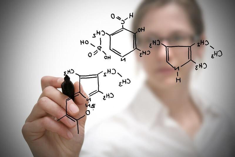 Học làm giáo viên dạy Hóa học bằng tiếng Anh
