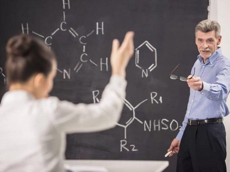 Học cách dạy Khoa học bằng tiếng Anh cho giáo viên